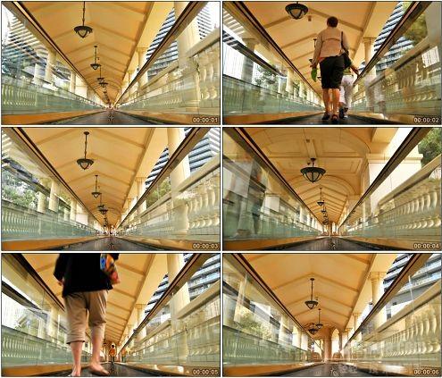 CG0294-实拍天桥上快速走动的行人高清实拍视频素材