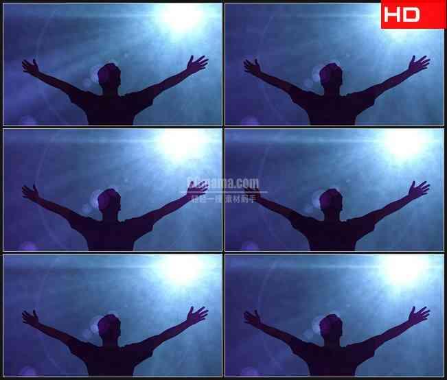 BG0076-张开双手欢呼蓝色光线云雾高清LED视频背景素材