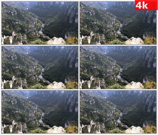 4K0999河流穿越美丽的峡谷高清实拍视频素材